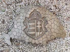 Nagymagyarország koronás címer